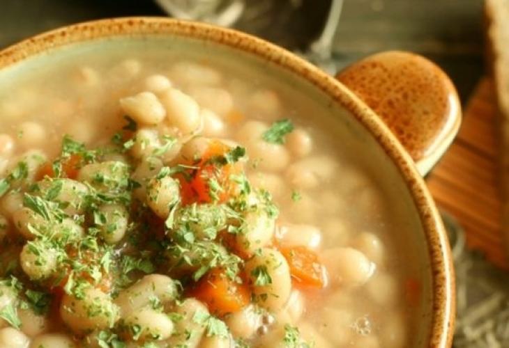 1464150943-bean-soup-djodjen